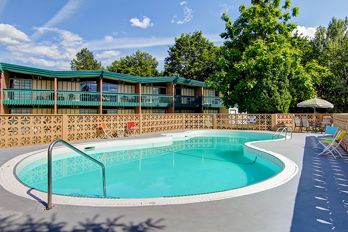 Amenities tiki village inn vernon bc hotel for Heated pools for sale